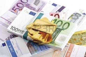 24153841-lingots-d-or-et-les-billets-en-euros