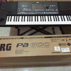 KORG PA600